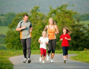 happy-family-exercising